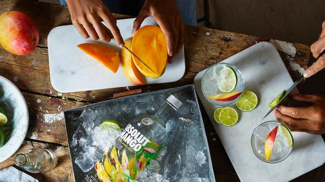 drink_absolut-mango-soda_16x9